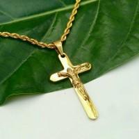Jual Kalung Titanium Liontin Salib Jesus Gold Pria Anti Karat Murah