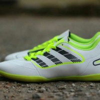 sepatu futsal adidas predator madein vietnam white black 39-44
