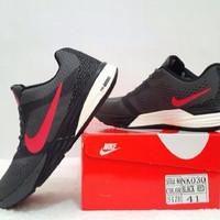 Sepatu Olahraga Pria NIKE AIR ZOOM LUNARLON TRI FUSION Black Red