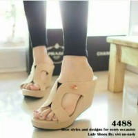 Wedges M Crocodilee Cream