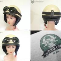 Helm Retro Chips Kupingan New Krem Glossy + Kacamata