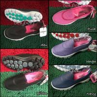 Sepatu Skechers Women Go Walk 3 Knit/ Rajut