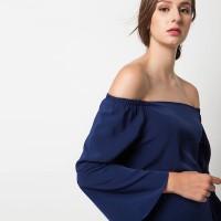 harga Duapola Plain Bell Sleeves Sabrina Blouse Biru Navy (6280) Tokopedia.com