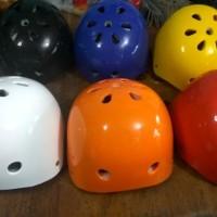 Helm rafting, sepeda, outbound, sepatu roda,