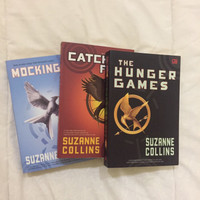 Jual Buku Novel Hunger Games, Catching Fire, Mockingjay Murah