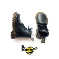 Sepatu Boots Anak Warna Hitam