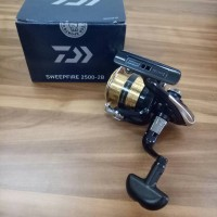 Reel Pancing Daiwa sweepfire 2500-2B 2+1bb/ball bearing