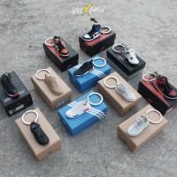 Solexchain - 3D Sneakers Keychain ( NMD , Yeezy , Air Jordan )