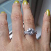 Roccia Amos Diamond Simulant Ring Cincin Berlian Cantik nan Mewah