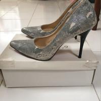 Jual high heels / wedges / sepatu / second / heels abu abu Murah