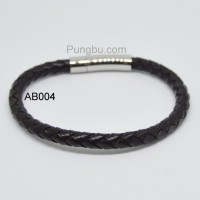 Gelang Kulit Pria Simple Polos Fashionable Hitam AB004