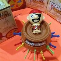 Mainan Tong Bajak Laut 'Running Man' Pirate Roulette/Barrel (2 in 1)