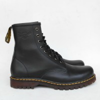 Jual Sepatu Docmart 8 hold kulit sapi asli hitam dan coklat Murah