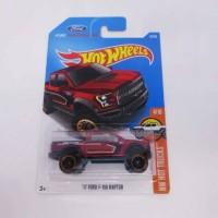 Hot Wheels / Hotwheels '17 Ford F-150 Raptor Red