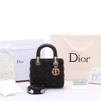 Tas Dior My Lady Cannage Small Lucky Badges GHW Hitam SOL77018