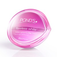 PONDS FLAWLESS VISIBLE LIGHTENING DAY CREAM 25GR