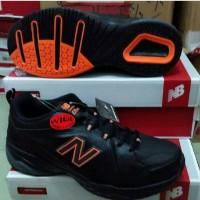 Sepatu New Balance MX608