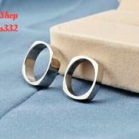 cincin couple tunangan silver polos-bahan Titanium