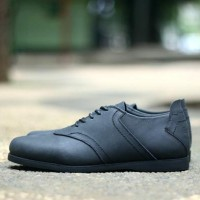 SEPATU PRIA BENNET CHESTER BLACK MATERIAL PULL UP LEATHER