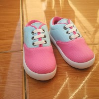 Sepatu anak perempuan lucu biru pink merk SHUKU
