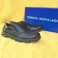 Sepatu Casual Pria Yongki Komaladi Original B 97 Hitam