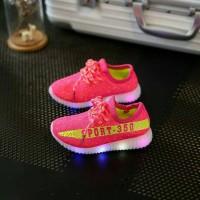 Jual sz 31-35 sepatu anak import replika adidas yezzy sport nyala lampu led Murah