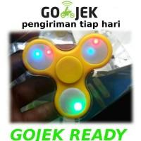 Fidget Hand Spinner Lampu Led Disco Lamp Toys Spiner Mainan Jari