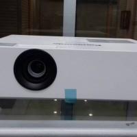 projector panasonic PTLB353 Garansi reami 2 tahun harga nego