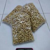 Jual kacang mente/mede/mente mentah 1 kg Murah