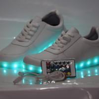 Jual Sepatu sneakers LED lampu nyala wanita murah Murah