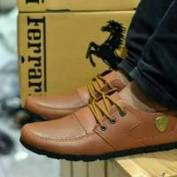 Sepatu casual tali pria Ferrari Sneakers licin (3 pilihan warna bagus)