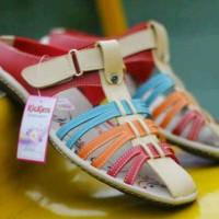Jual Sendal Sepatu Wanita Kickers Promo lebaran Murah