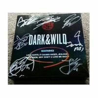 SIGNED ALBUM BTS - DARK & WILD