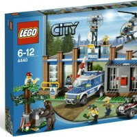 Lego City 4440 - Police Station Forest