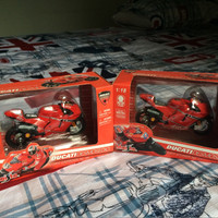 Jual Maisto Diecast 1:18 Ducati Desmosedici 2007 Moto GP Stoner Capirossi Murah