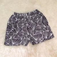 Celana boxer motif GARIS abu-abu
