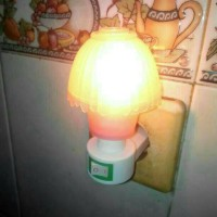 Lampu tidur / lampu dinding / lampu kamar