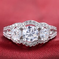 Cincin Lapis Emas Putih Berlian Layer Wanita Tiga Batu Besar - BR131