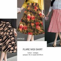 Harga special flare midi skirt motif batik bunga browny   Pembandingharga.com