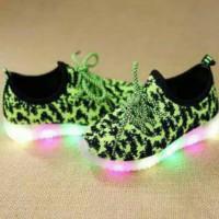 Jual Sepatu walker anak import kets hijau green leopard tali ada lampu LED Murah