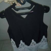 blus wanita warna hitam
