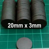 Magnet Hitam Ferrite Bulat Koin Disc Tempelan Kulkas 20mm x 3mm