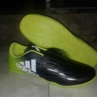 sepatu futsal size 44-46