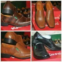 Sepatu Pantofel Formal Cowok Kickers Kulit Sapi Murah