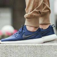 Jual Nike Roshe Run Two Navy Sneakers Pria Sepatu Olahraga Murah