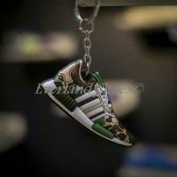Keychain Sneakers (5pcs) Onitsuka, Adidas Trainer, Bape,adidas MU