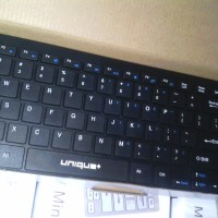 Keyboard dan Mouse Wireless Unique+ Mini Slim dan Praktis