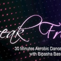 video Senam Aerobik . break Free bersama Bipasha