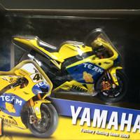 Jual Maisto 1:18 Moto GP Valentino Rossi No. 46 2006 kuning Murah