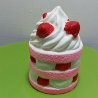 Squishy Slow Cute Kawaii Strawberry Ice Cream Cake Es Krim Lucu